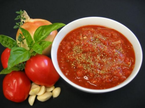tomatniy soys