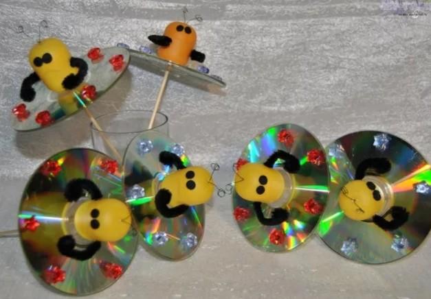 Поделки из дисков на тему