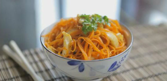 salat iz kalmarov i morkovi