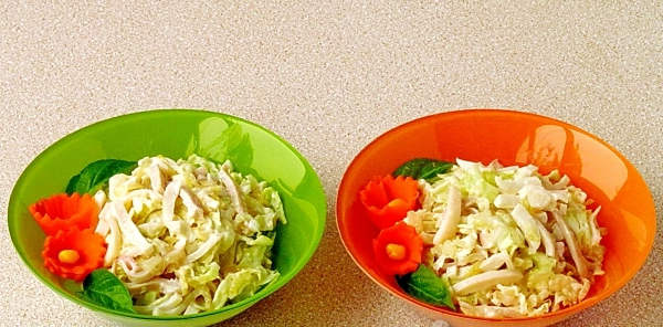 salat s kalimarami i pekinskoy kapusti