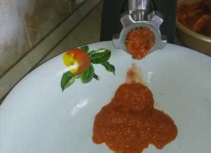 2pomidoru cherez mysorubku