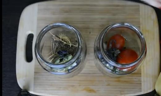 2ukladivaem pomidori