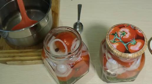 7pomidori v bankah