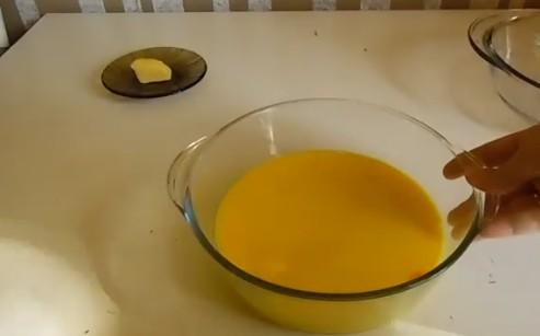 Омлет в микроволновке: как приготовить в кружке для ребенка за 2 минуты, рецепты из белков, с молоком и без