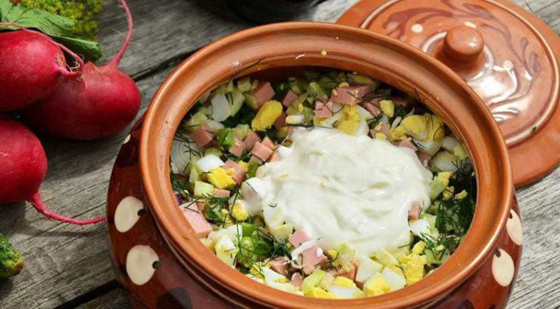 Окрошка на квасе с яблоком и зеленью петрушки - рецепт пошаговый с фото