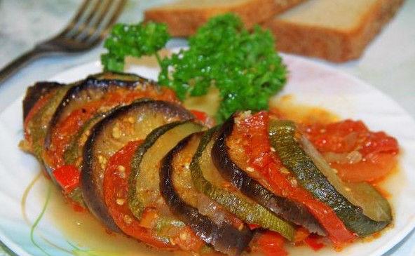 Рататуй из кабачков и баклажанов в духовке: классические рецепты рататуя в домашних условиях