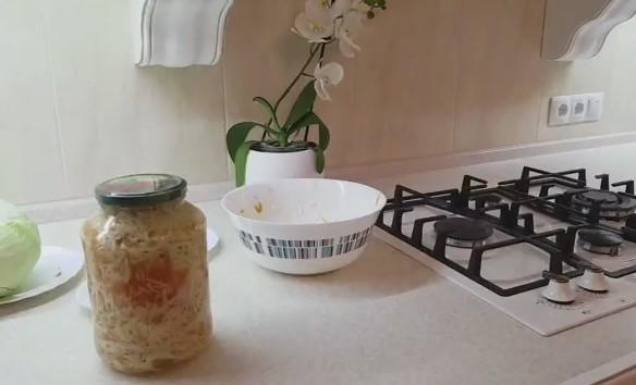 Капуста кусочками маринованная быстрого приготовления: рецепт с уксусом и без