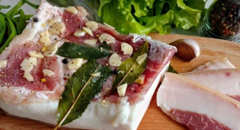 Как посолить сало в рассоле очень вкусно в домашних условиях? Самые вкусные рецепты сала в банке