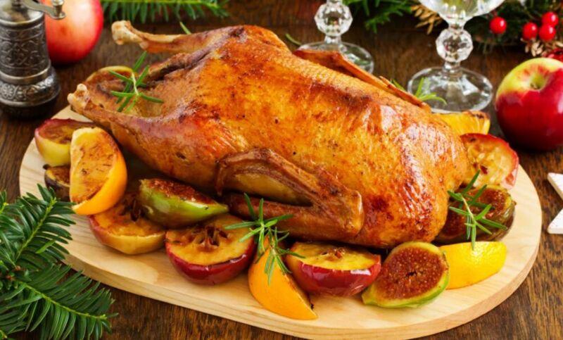 Рецепты гуся в духовке, чтобы мясо получилось мягким и сочным